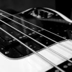 初心者の方必見。おすすめするベースの弦でも素材が重要!